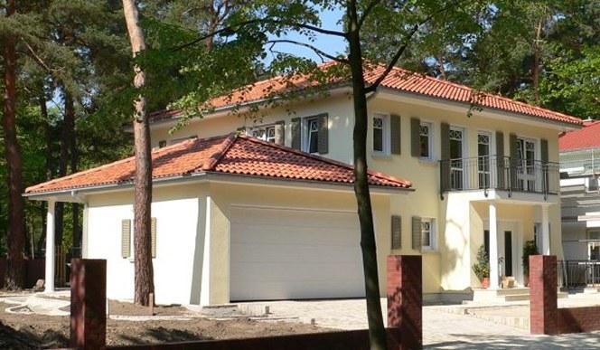 Fertigh user und fertiggaragen for Haus mit doppelgarage bauen